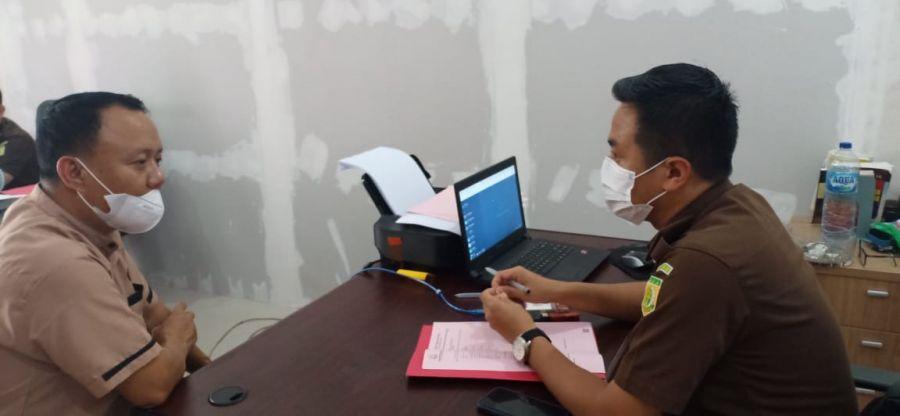 Akhirnya Rusdianto Pelaku KDRT Ditahan Kejari Pelalawan
